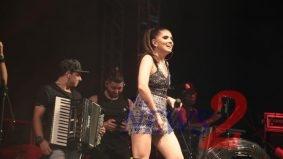 Fernanda Salgado sings at CTN Show House in Sao Paulo
