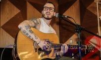 Dreicon, Brazilian singer makes Pocket Show in Sao Paulo